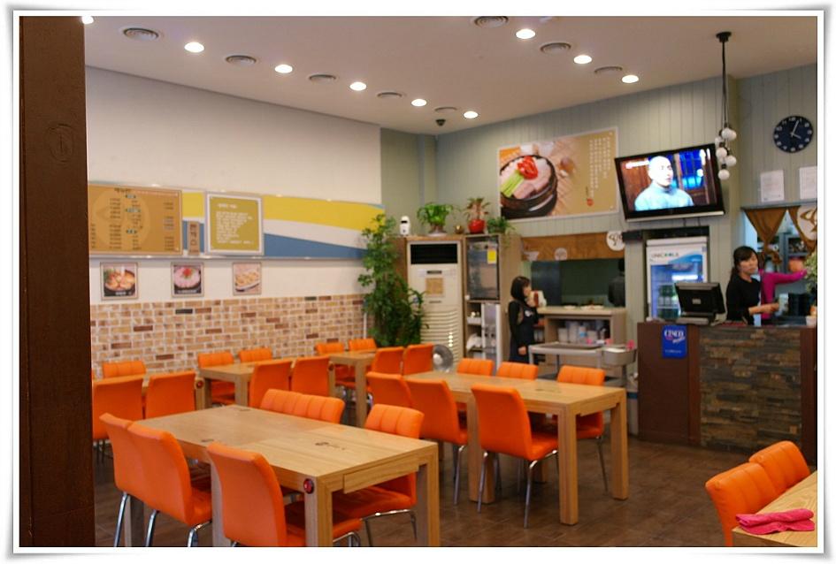 식당 내부의 모습