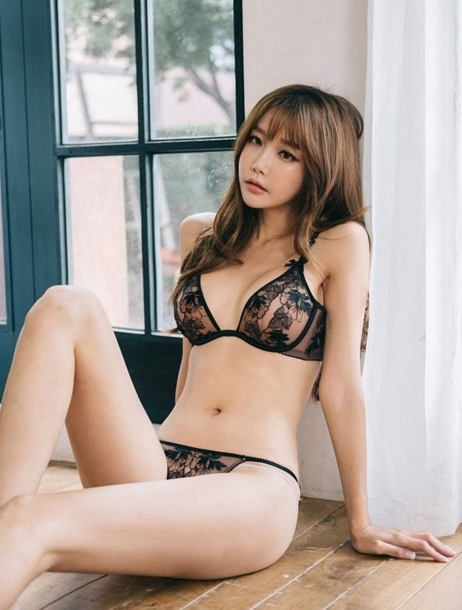 hot Korean in sexy lingerie